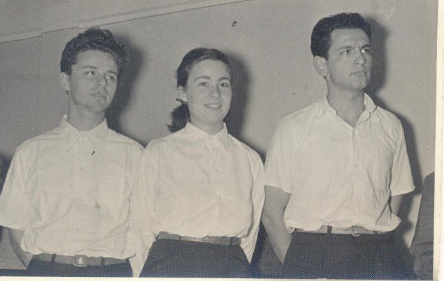 Jóvenes Macabeos en Guardia de Honor (1954)